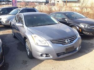 2012 Nissan Altima 2.5 S * OVER 450 VEHICLES AVAILABLE London Ontario image 2