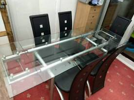 Glass and metal extendable dining table + 5 chairs