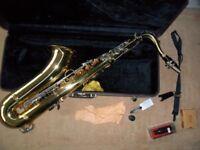 16 days ago SAXOPHONE Elkhart Tenor Saxophone With Hard Case & Reeds