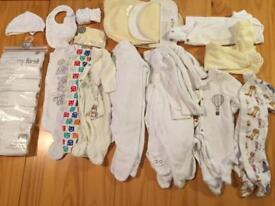 Tiny baby neutral clothes bundle