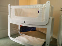 White SnuzPod 3 in 1 Bedside Crib and Mattress, Excellent Condition