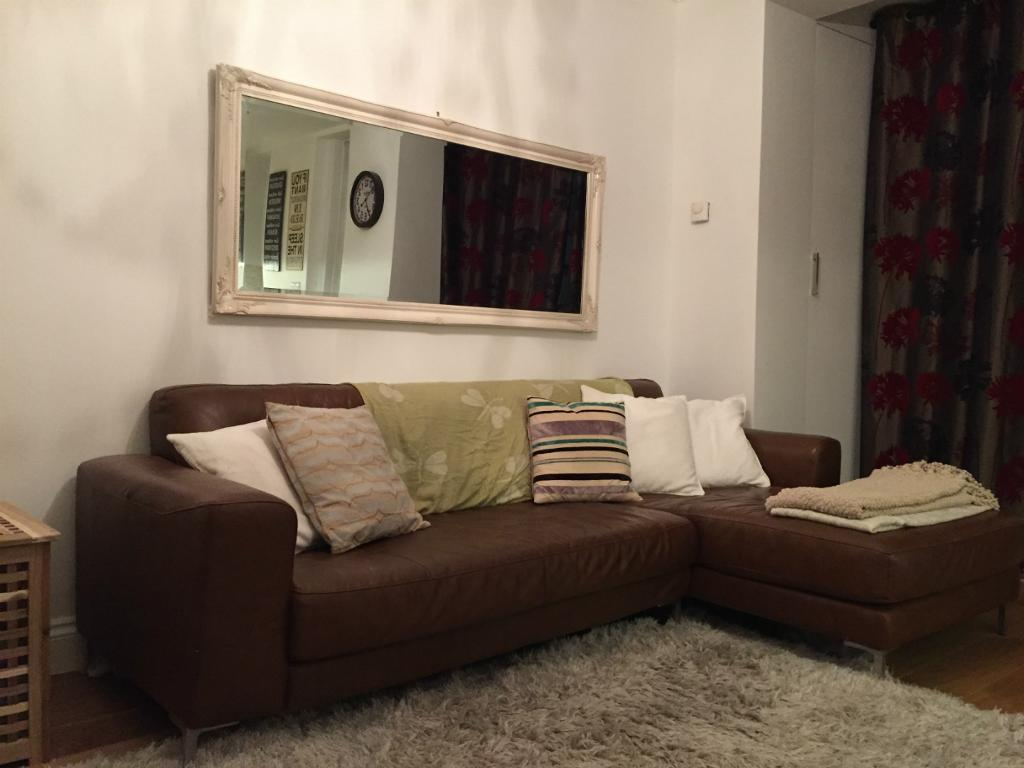 ALL BILLS INCLUDED RECENTLY REFURBISHED MODERN ONE BEDROOM APARTMENT IN MORNINGTON CRESCENT