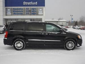 2015 Chrysler Town & Country Touring | NO ACCIDENTS | GREAT DEAL Stratford Kitchener Area image 20