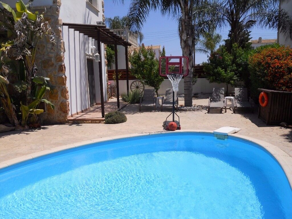 Detached 3 bedroom villa with private swimming pool, garden and BBQ, Famagusta, Greek part of Cyprus