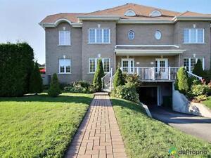 539 000$ - Maison en rangée / de ville à vendre à Saint-Laure West Island Greater Montréal image 1