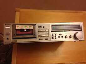 HITATCHI STEREO TAPE DECK D-E65 MAKE ME OFFER