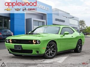 2017 Dodge Challenger R/T HEMI/SHAKER V8, 6 SPEED MANUAL, NAV...
