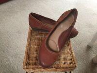 Clarkes size 7, soft footwear wedge shoes
