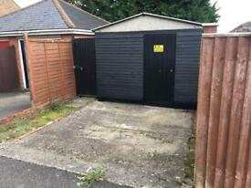 Storage / Lock Up (Garage sized) available for rent in Aldershot £80 per month