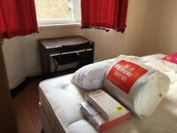 large single room to let @ E13 9DA all bills inclusive 3 min walk upton park station available now!!