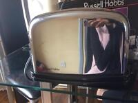 RUSSELL HOBBS TOASTER *read description