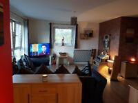 Dbl Room in immaculate modern flat Central Paisley: perfect for RAH, UWS or easy commute to City.