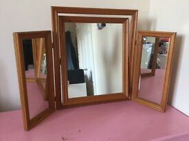 Wooden 3-way mirror