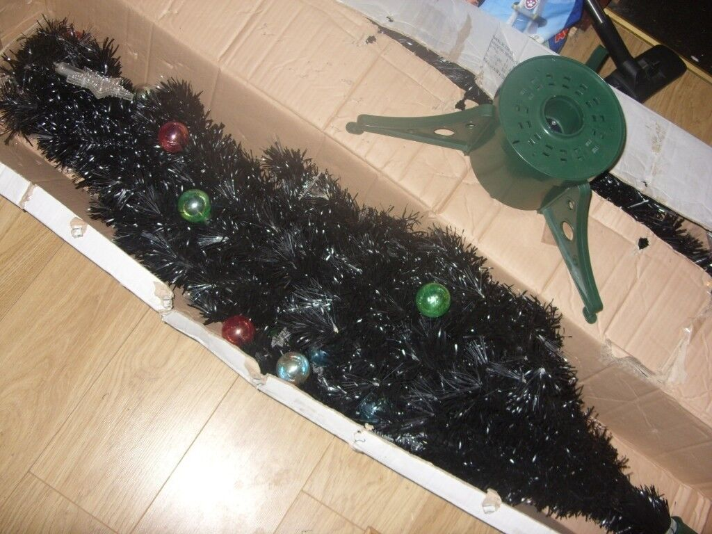 Fibre Optic Christmas Tree With Baubles.Futura 6 Foot 180cm Black Fibre Optic Christmas Xmas Tree With Baubles Star In Clydebank West Dunbartonshire Gumtree