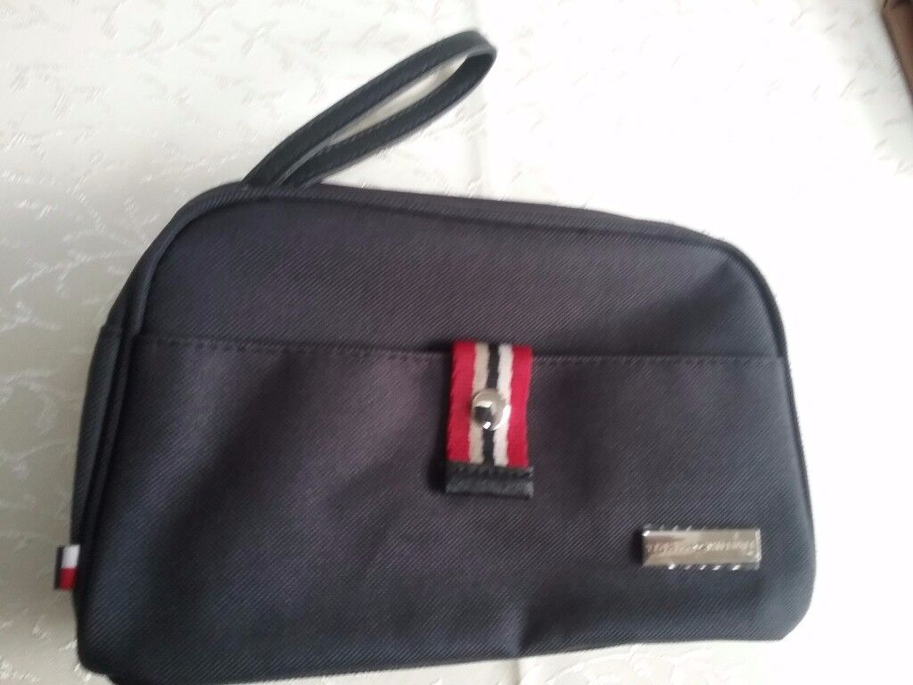 Tommy Hilfiger toilet of cosmetic bag