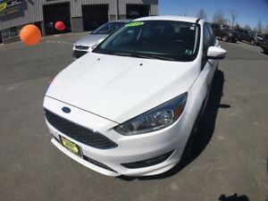 2015 Ford Focus Hatchback SE - Cruise - Rear View Camera - SYNC