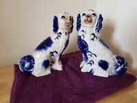 PAIR of MANTLE dogs