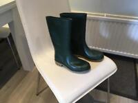 Green wellington boots size 5