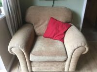 2 seater sofa and two arm chairs for sale, very good condition