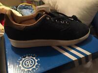 Adidas Harris tweed size 8 shoes