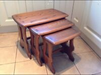 Nest of 3 solid oak tables in excellent condition, see all photos to see the quality of the wood.