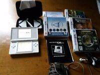 Nintendo DS Lite White Wireless with 5 games