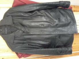 mens leather jacket size large in top condition