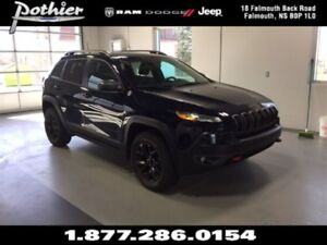 2016 Jeep Cherokee Trailhawk 4x4 | REAR CAMERA | HEATED SEATS |