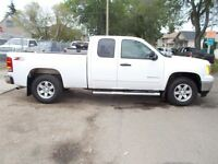 2011 GMC Sierra 1500 SLE EXT CAB SHORT BOX Z71 ONE OWNER 4X4 LIK