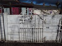 WROUGHT IRON GATE / GARDEN GATE / SIDE GATE / METAL GATE / DRIVEWAY / STEEL GATE / GALVANISED GATE