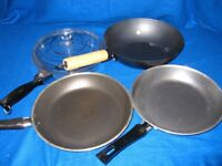 Set of 3 frying pans