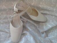 Rainbow club ivory wedding shoes vgc