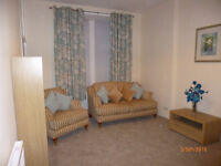 Spacious Bright 1 bedroom ground floor flat (furnished)