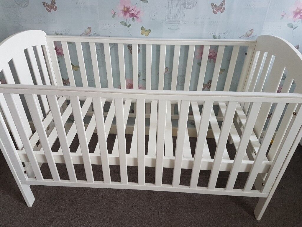 Various baby items for sale