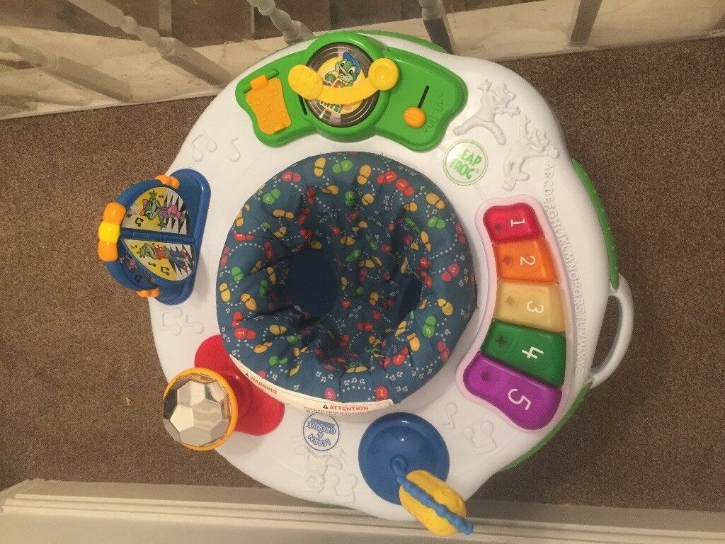 Baby activity station / baby bouncer