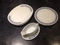 6 X Pyrex Oval Dinner Plates and Gravy Boat, + 3 Round Plates