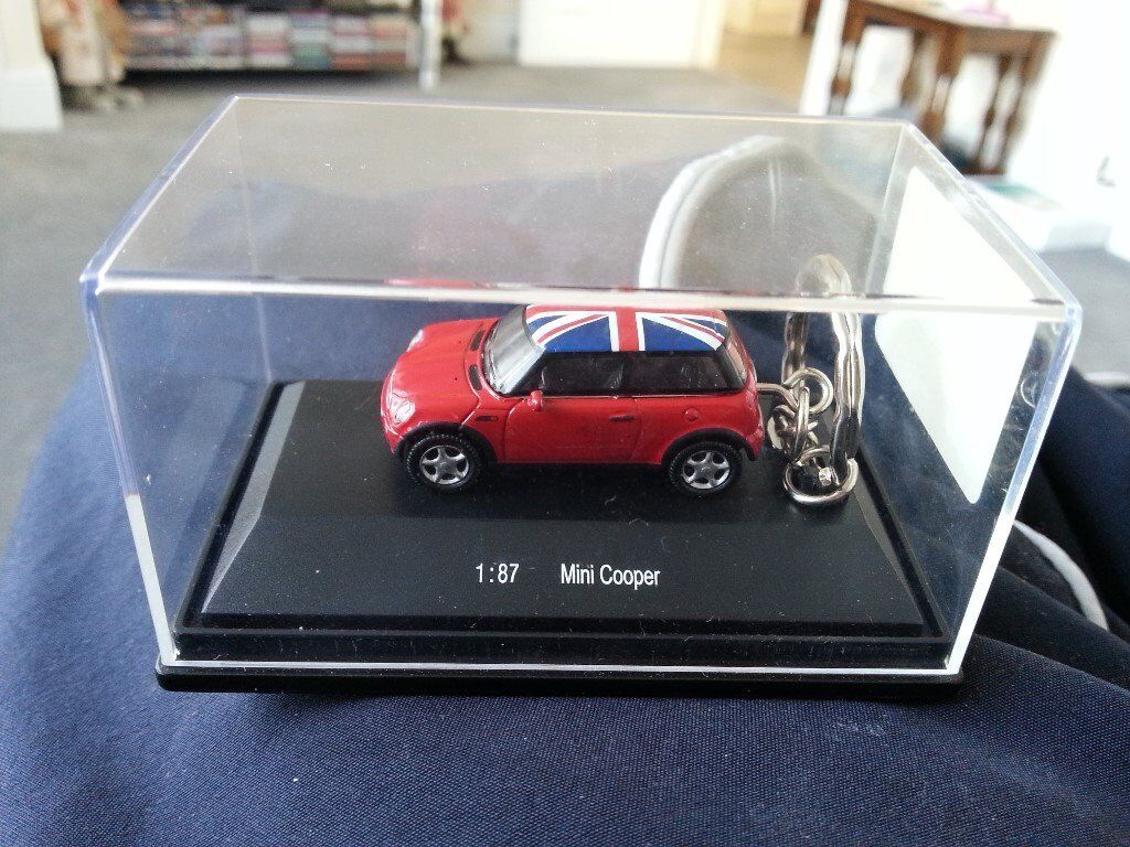 Diecast Mini Cooper Red Union Jack Toy Car Keyring Keychain In