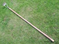GOOD QUALITY VINTAGE GARDEN HOE / DUTCH HOE MADE BY JENKS & CATTELL