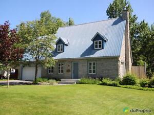 395 000$ - Maison 2 étages à vendre à Beaupré