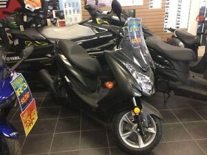 2016 yamaha  SMAX Scooter