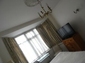 A Large Specious double room to let