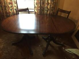 6 seater extendable table (seats 8)
