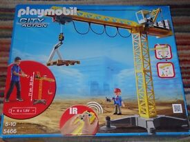 PLAYMOBIL 5466 LARGE CRANE WITH IR REMOTE CONTROL *NEW* SEALED IN DAMAGED BOX