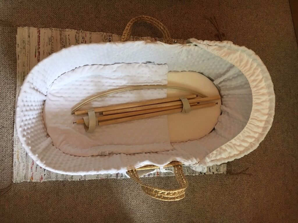 Moses basket/bassinet and Claire de lune stand