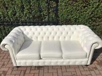 BRAND NEW WHITE LEATHER CHESTERFIELD DELIVERY AVAILABLE