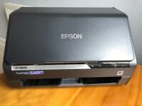 Epson FastFoto FF-680W, Photo Scanner, Scans up to 36 photos in one go.
