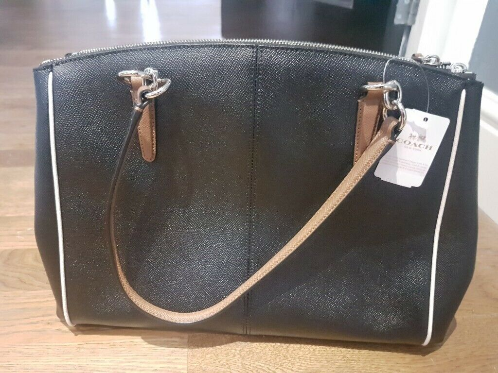 2340e474ce0c brand new authentic coach bag bought in USA