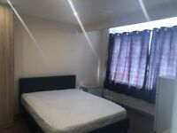 NEWLY REFURBISHED ENSUITE LARGE DOUBLE ROOM TO LET NEAR ASDA IN HAYES