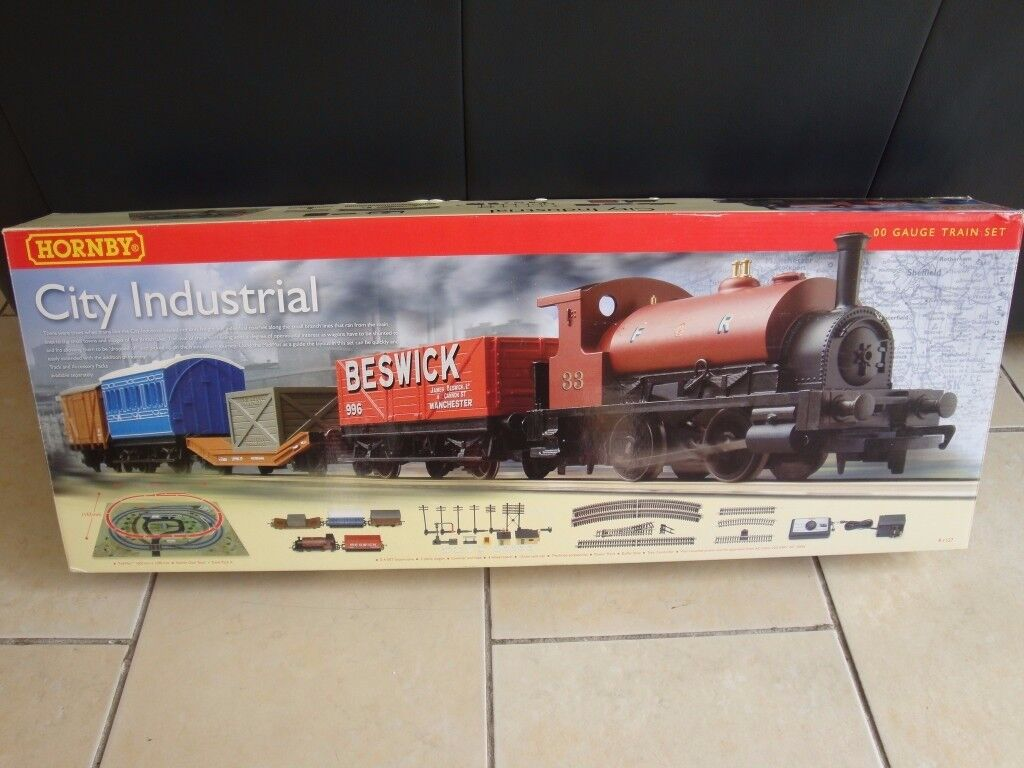 Hornby City Industrial OO gauge Electric Train Set