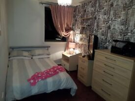 Lovely Double Bedroom to rent in central Westhill
